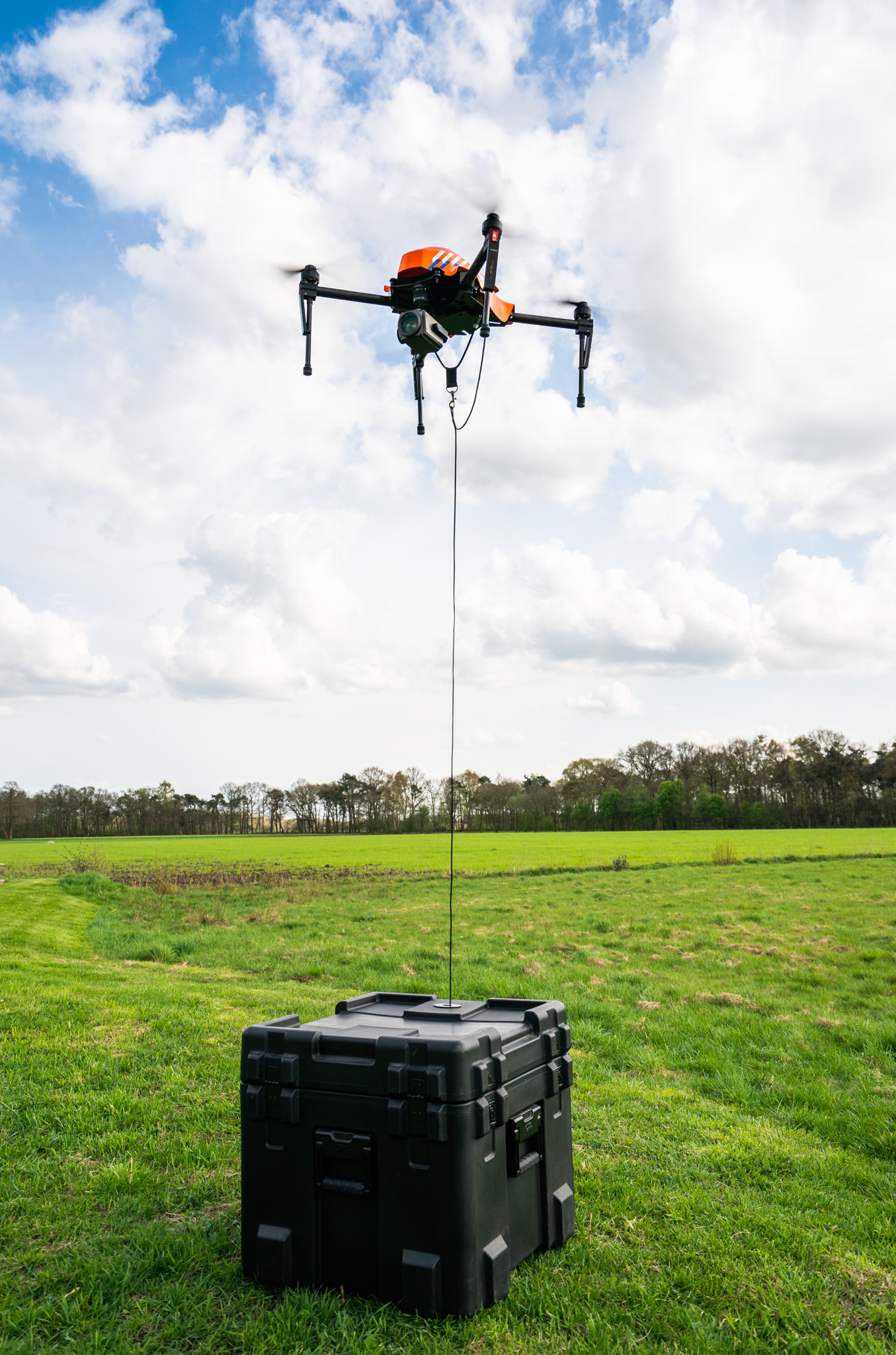 BENTELO - DronExpert Cablecopter , tethered drone. Kabeldrone editie : AL   foto Wouter Borre  WBE20180416
